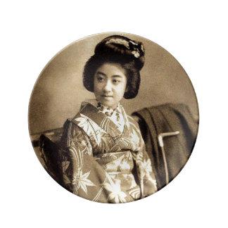 芸者 för Geisha för klassikervintage japansk Sepia Porslinstallrik