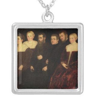 00409 sju medlemmar av den Soranzo familjen Silverpläterat Halsband