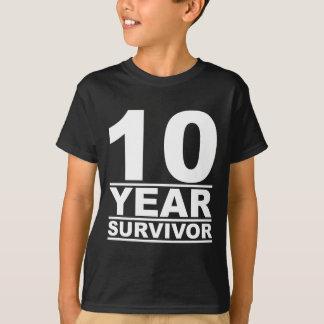 10 år överlevande t-shirt