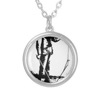1664996_12669506_violin_orig halsband med rund hängsmycke