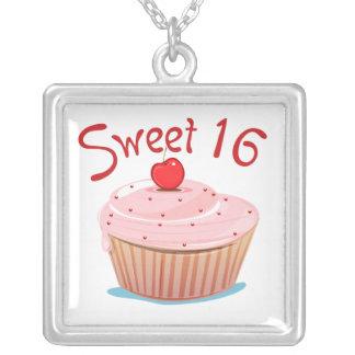 16th muffin för födelsedag söta 16 silverpläterat halsband