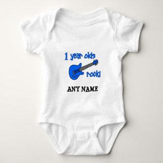 1 år - oldssten! Personligbaby 1st födelsedag Tee Shirt
