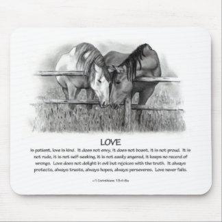 1 Corinthians 13: Kärlek hästar med blyerts Musmatta