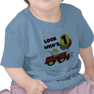 1st födelsedagTshirts och gåvor för brandman T-shirts