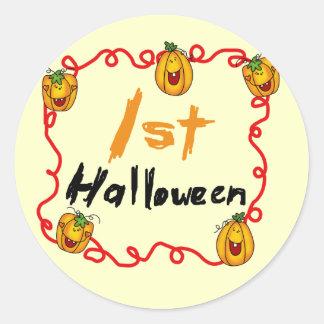 1st Halloween Tshirts och gåvor Runt Klistermärke