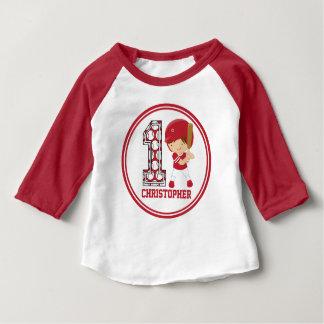 1st Röd födelsedagbaseballsmet och vit T Shirt