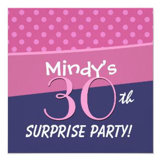 30års födelsedagpartypolkaen pricker mönster för fyrkantigt 13,3 cm inbjudningskort