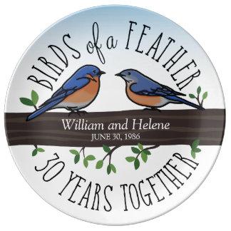 30th Bröllopsdag bluebirds av en fjäder Porslinstallrik