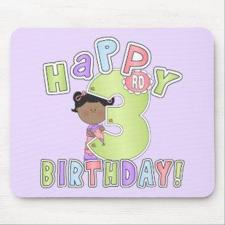 3rd födelsedag för flickalycklig, afrikansk amerik musmatta