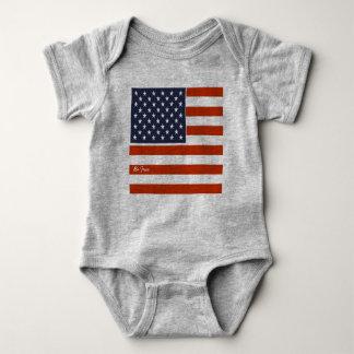 """4th av den Juli amerikanska flaggan """"är den fria"""" T-shirts"""