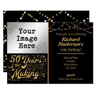 50 år i den 50th födelsedagsvarten & guldet för 12,7 x 17,8 cm inbjudningskort