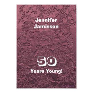 50 år rosa dockainbjudan för ung födelsedagsfest 12,7 x 17,8 cm inbjudningskort
