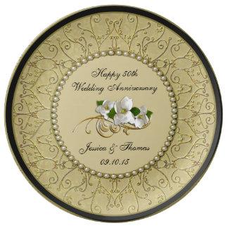 50th Den dekorativa guldbröllopårsdagen pläterar Tallrikar I Porslin