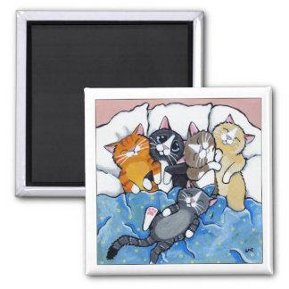 5 sömniga kattungar - kattkonstmagnet