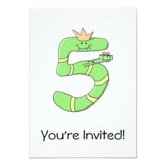 5th Födelsedagtecknad som är grön 12,7 X 17,8 Cm Inbjudningskort