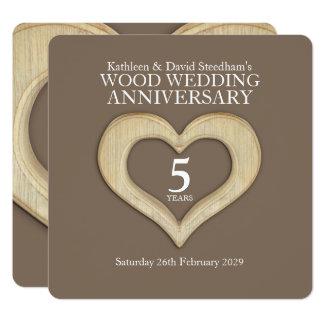 5th wood inbjudan för bröllopsdaghjärtaparty