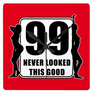 99 never looked this good fyrkantig klocka