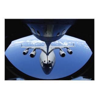 A.C. - 17 som Globemaster III mottar, tankar Fototryck