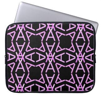 AaParade kalla Pinks på svart Laptop Sleeve