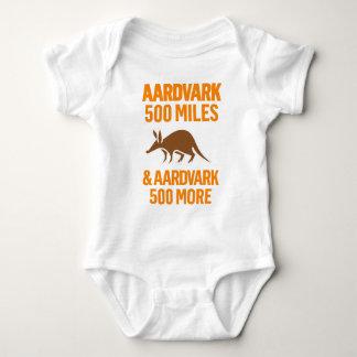 Aardvark 500 Miles rolig vits T-shirt