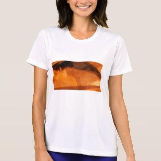 Abstrakt bakgrund för orange för design som tee