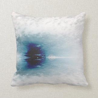Abstrakt dekorativ kudde för