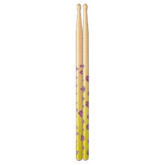 abstrakt gula drumsticks trumpinnar