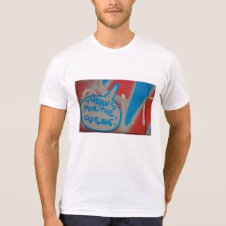 Abstrakt moderiktigt slut upp konst av t-shirt