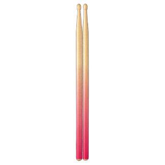 Abstrakt pink&whitedrumsticks trumpinnar