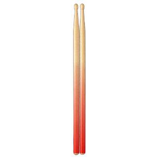 Abstrakt red&whitedrumsticks trumpinnar