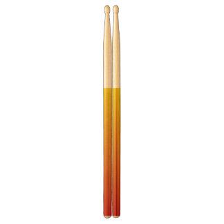 Abstrakt red&yellowdrumsticks trumpinnar