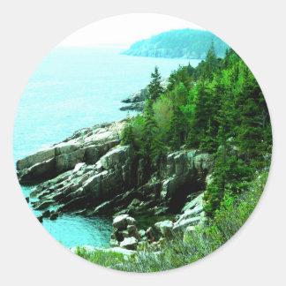 Acadia parkerar Shorelinefred och lugn Runt Klistermärke
