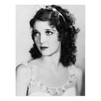 Adara elegantt svartvitt vintagefoto vykort