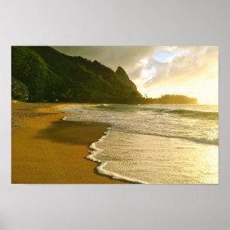 Affisch för strand för Kauai surfaCo. Haena
