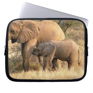 Afrika Botswana, Moremi. Elefantsjukvård Laptop Sleeve