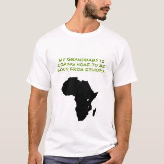 Afrika - mitt grandbaby är det kommande hemmet t-shirt