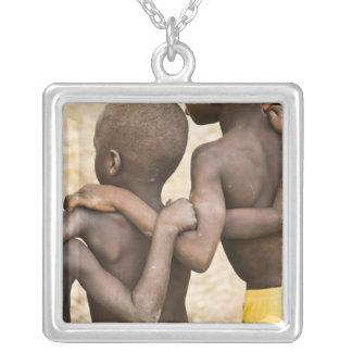 Afrika västra afrika, Ghana, Yendi. Skjuten Silverpläterat Halsband