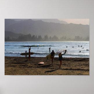 Aftonsurfarear, Hanalei fjärd, Kauai Poster
