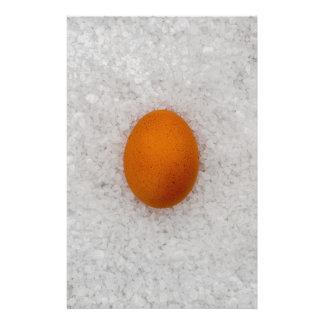 Ägg med salt brevpapper
