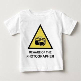Akta sig av fotografen t-shirts