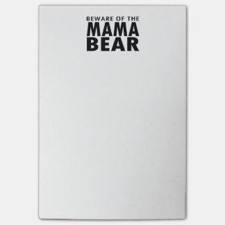Akta sig av mammabjörnen som Posta-Det noterar Post-it Lappar