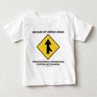 Akta sig av sammanfogning zonplanerar tee shirts