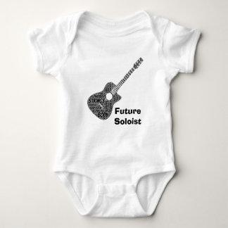 Akustisk gitarr formad text för ordkonstsvart t shirt