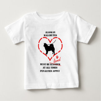 Alaskabo Malamutes måste älskas Tee Shirt