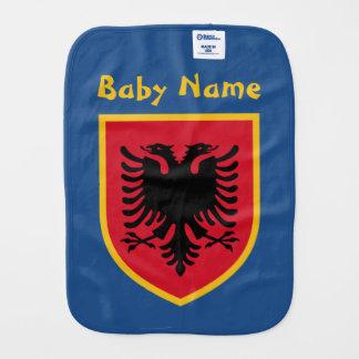 Albanien flagga bebistrasa