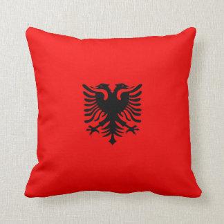Albanien flagga kudde