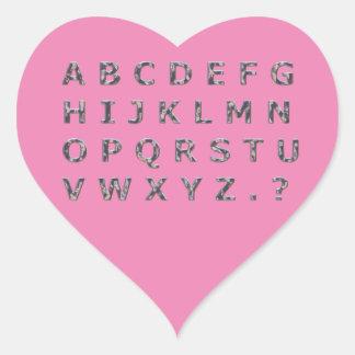 Alfabet bultade kromhuvudstäder hjärtformat klistermärke