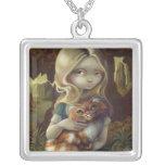 Alice i en underland för Da Vinci porträttHALSBAND Halsband Med Fyrkantigt Hängsmycke