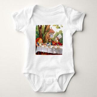 Alice och det tokiga hatter'sens Teapartyet i Tee Shirt