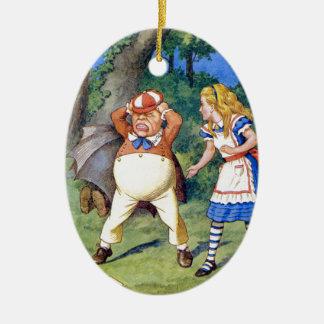 Alice och en ilskna Tweedledum i underland Julgransprydnad Keramik
